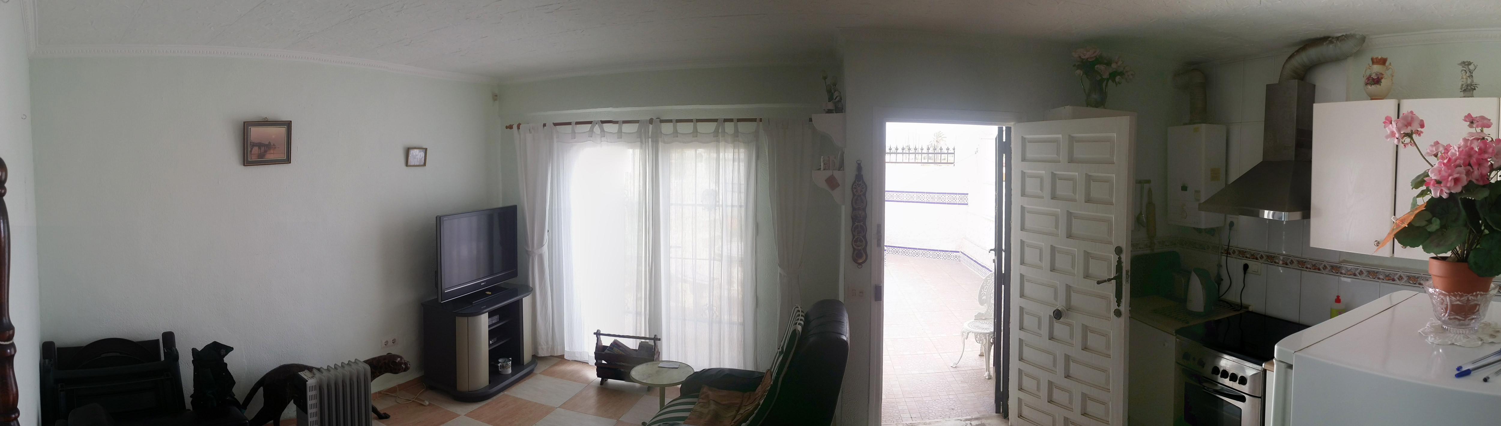 Wohnzimmer und Kueche1