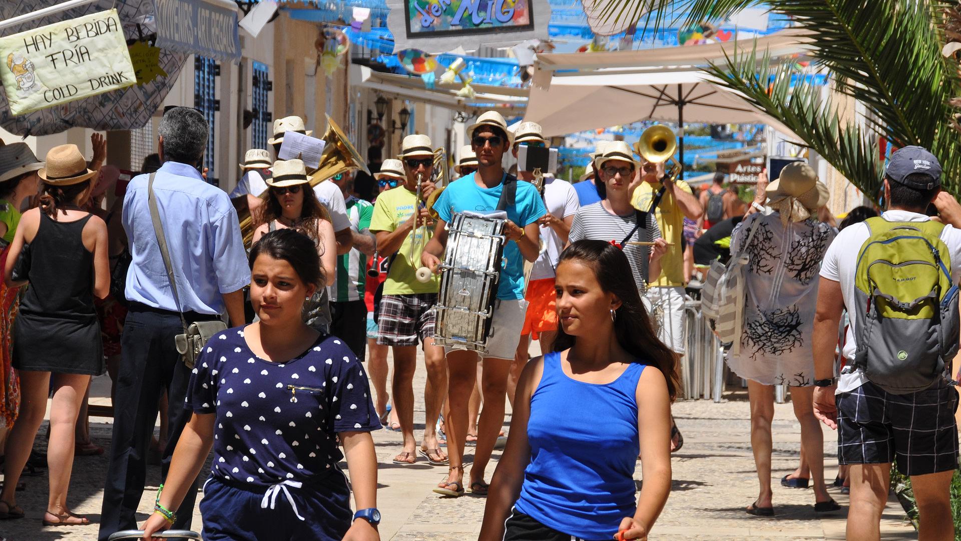 Fiesta in den Straßen Tabarcas
