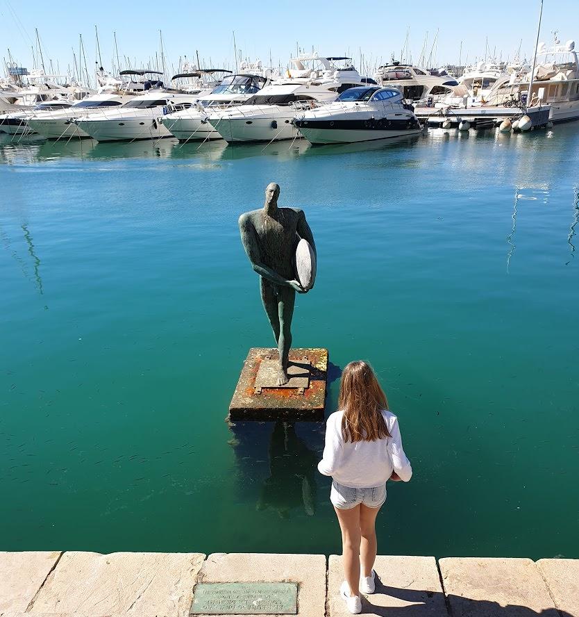Ikarus Nullpunkt im Hafen