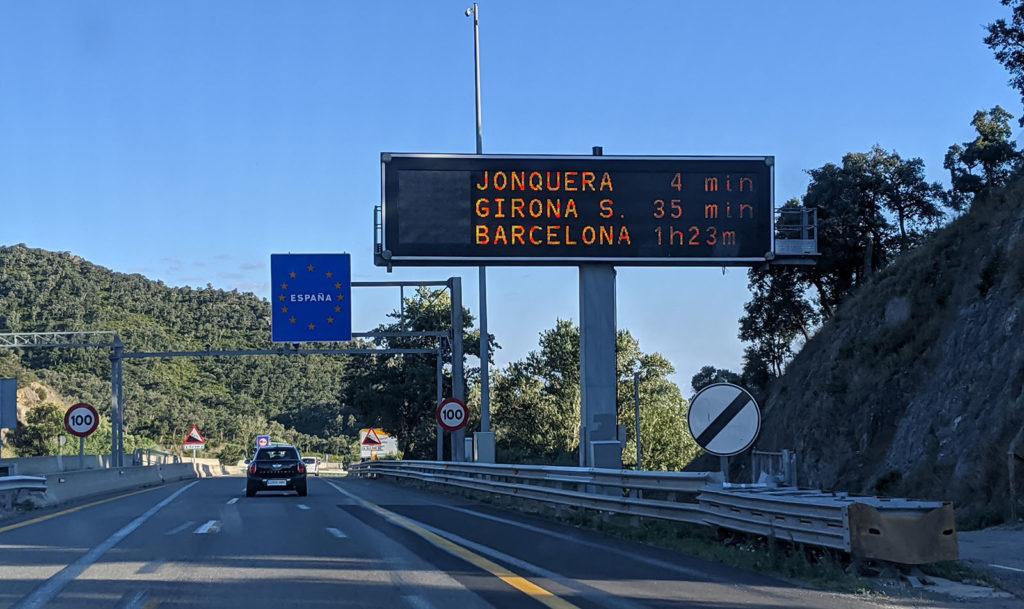 Wir passieren die Grenze nach Spanien ohne Baustelle